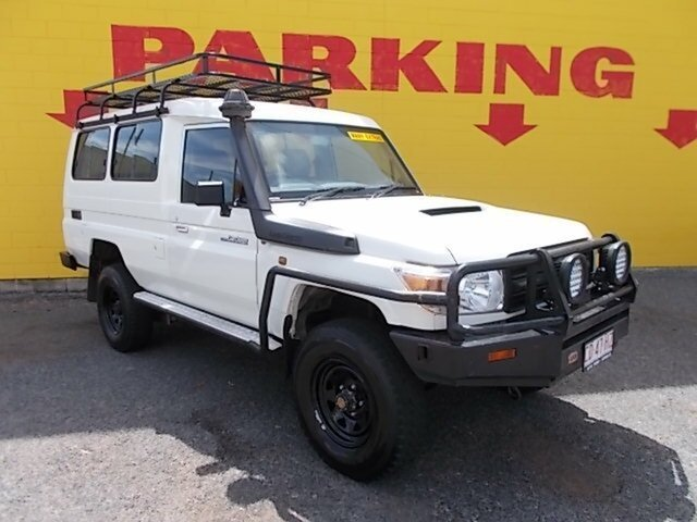 Used Toyota Landcruiser VDJ78R MY13 Workmate Troopcarrier, 2013 Toyota Landcruiser VDJ78R MY13 Workmate Troopcarrier White 5 Speed Manual Wagon