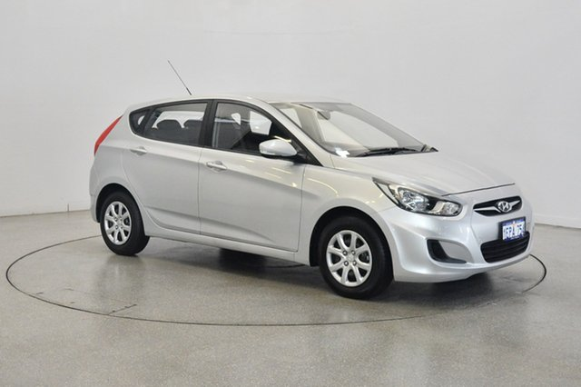 Used Hyundai Accent RB2 Active, 2014 Hyundai Accent RB2 Active Sleek Silver 6 Speed Manual Hatchback