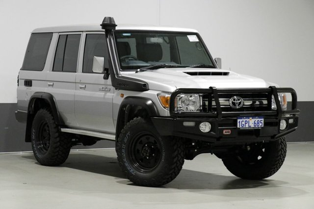 Used Toyota Landcruiser VDJ76R MY18 GXL (4x4), 2018 Toyota Landcruiser VDJ76R MY18 GXL (4x4) Silver 5 Speed Manual Wagon