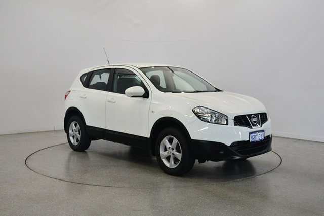 Used Nissan Dualis J10W Series 3 MY12 ST Hatch X-tronic 2WD, 2012 Nissan Dualis J10W Series 3 MY12 ST Hatch X-tronic 2WD White 6 Speed Constant Variable