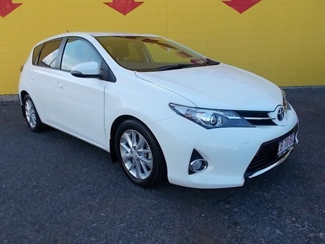 Used Toyota Corolla ZRE182R Ascent Sport S-CVT, 2015 Toyota Corolla ZRE182R Ascent Sport S-CVT White 7 Speed Constant Variable Hatchback
