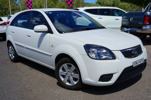 Used Kia Rio JB MY10 S, 2010 Kia Rio JB MY10 S White 5 Speed Manual Hatchback