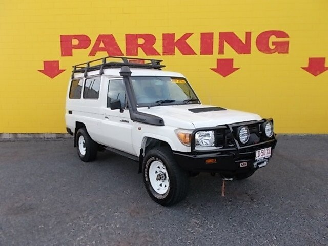 Used Toyota Landcruiser VDJ78R MY13 Workmate Troopcarrier, 2014 Toyota Landcruiser VDJ78R MY13 Workmate Troopcarrier White 5 Speed Manual Wagon