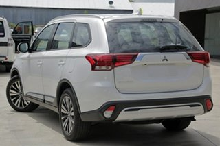 2018 Mitsubishi Outlander ZL MY19 ES 7 Seat (2WD) White Continuous Variable Wagon.