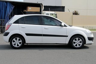 2007 Kia Rio JB MY07 LX White 5 Speed Manual Hatchback.