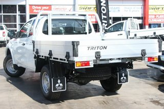 2018 Mitsubishi Triton MQ MY18 GLX Club Cab White 6 Speed Manual Cab Chassis.