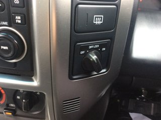 2013 Nissan Patrol Y61 GU 8 ST White 4 Speed Automatic Wagon