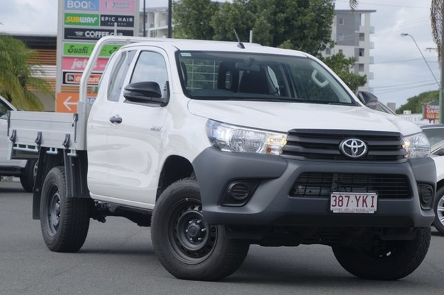 Demo Toyota Hilux GUN125R Workmate Extra Cab, 2017 Toyota Hilux GUN125R Workmate Extra Cab Glacier White 6 Speed Sports Automatic Cab Chassis