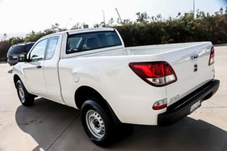 2014 Mazda BT-50 UP0YF1 XT Freestyle 4x2 Hi-Rider White 6 Speed Sports Automatic Cab Chassis.