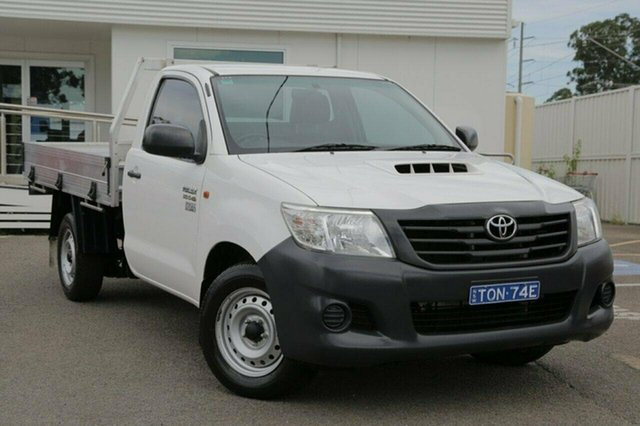 Used Toyota Hilux KUN16R Workmate, 2014 Toyota Hilux KUN16R Workmate White 5 Speed Manual Cab Chassis