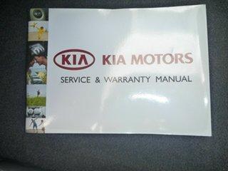 2013 Kia Grand Carnival VQ MY14 SI White 6 Speed Sports Automatic Wagon.