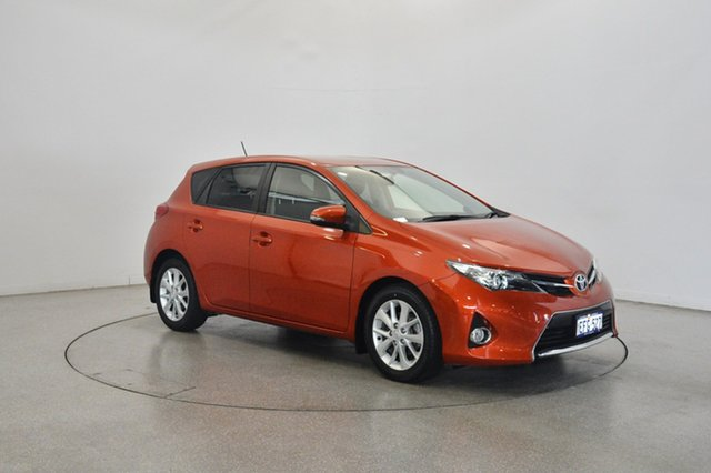 Used Toyota Corolla ZRE182R Ascent Sport S-CVT, 2013 Toyota Corolla ZRE182R Ascent Sport S-CVT Orange 7 Speed Constant Variable Hatchback