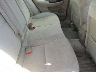 2005 Honda Accord 7th Gen VTi White 5 Speed Automatic Sedan