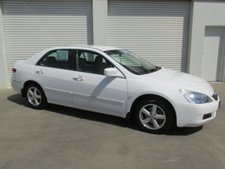 2005 Honda Accord 7th Gen VTi White 5 Speed Automatic Sedan.
