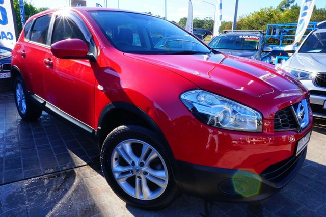Used Nissan Dualis J10W Series 4 MY13 ST Hatch X-tronic 2WD, 2013 Nissan Dualis J10W Series 4 MY13 ST Hatch X-tronic 2WD Red 6 Speed Constant Variable Hatchback