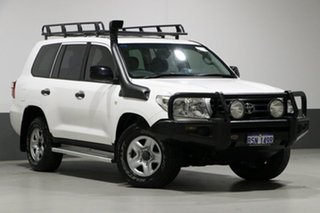 2011 Toyota Landcruiser VDJ200R GX (4x4) White 6 Speed Automatic Wagon.
