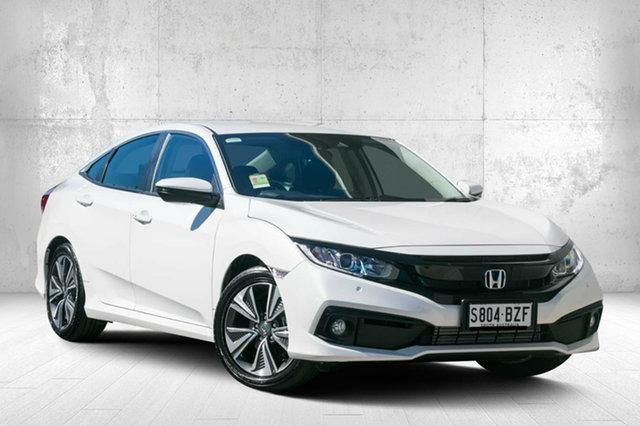 Demo Honda Civic 10th Gen MY18 VTi-L, 2018 Honda Civic 10th Gen MY18 VTi-L Platinum White 1 Speed Constant Variable Sedan