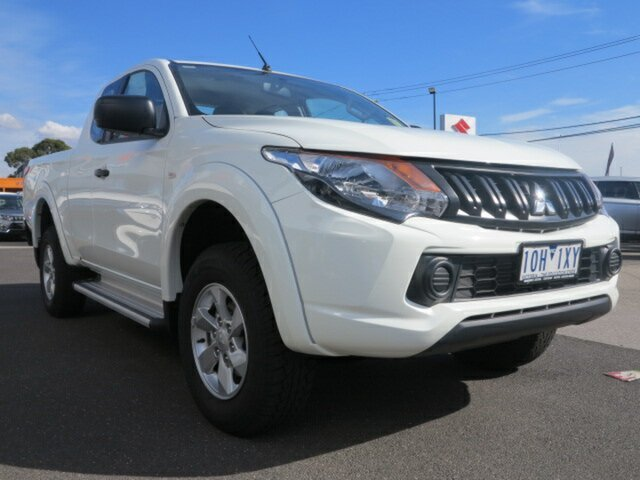 Demo Mitsubishi Triton MQ MY18 GLX Plus (4x4), 2018 Mitsubishi Triton MQ MY18 GLX Plus (4x4) White 5 Speed Automatic Club Cab Pickup