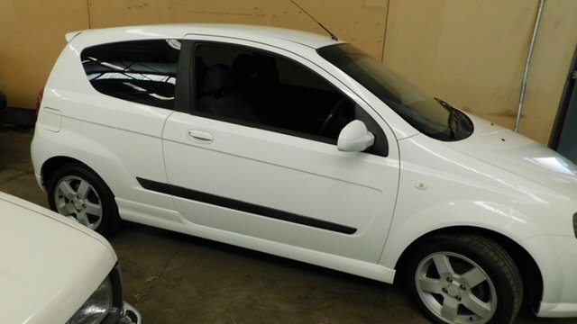 Used Holden Barina TK MY07 Morphett Vale, 2006 Holden Barina TK MY07 White 5 Speed Manual Hatchback