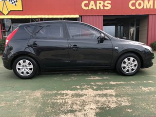 2009 Hyundai i30 FD MY09 SX Black 5 Speed Manual Hatchback.