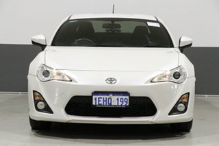 2013 Toyota 86 ZN6 GT White 6 Speed Manual Coupe.