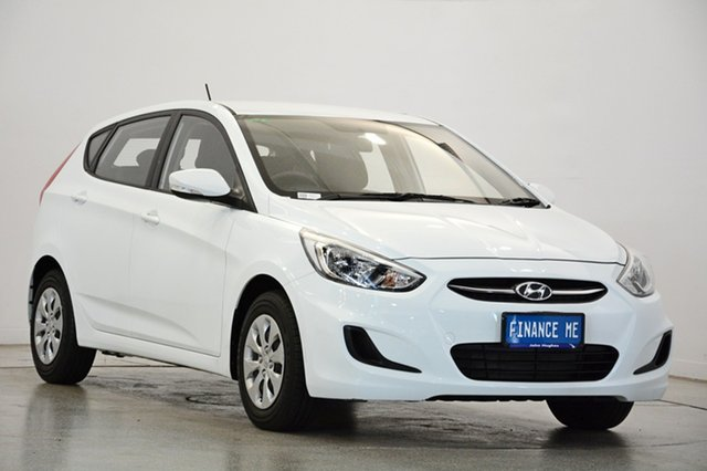 Used Hyundai Accent RB3 MY16 Active, 2015 Hyundai Accent RB3 MY16 Active Crystal White 6 Speed Manual Hatchback