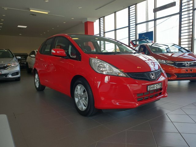 Used Honda Jazz GE MY13 Vibe, 2014 Honda Jazz GE MY13 Vibe Red 5 Speed Automatic Hatchback