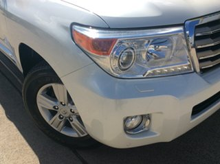 2014 Toyota Landcruiser VDJ200R MY13 Sahara White 6 Speed Sports Automatic Wagon.