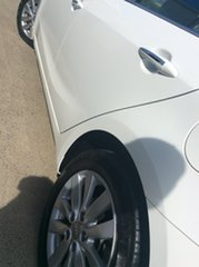 2014 Kia Cerato YD MY14 SI White 6 Speed Sports Automatic Hatchback