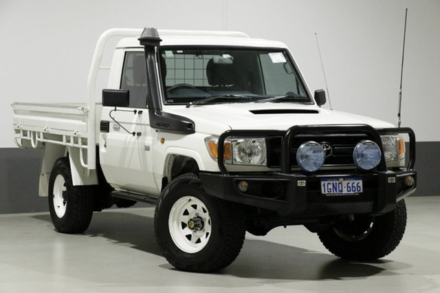 Used Toyota Landcruiser VDJ79R MY12 Update Workmate (4x4), 2015 Toyota Landcruiser VDJ79R MY12 Update Workmate (4x4) White 5 Speed Manual Cab Chassis