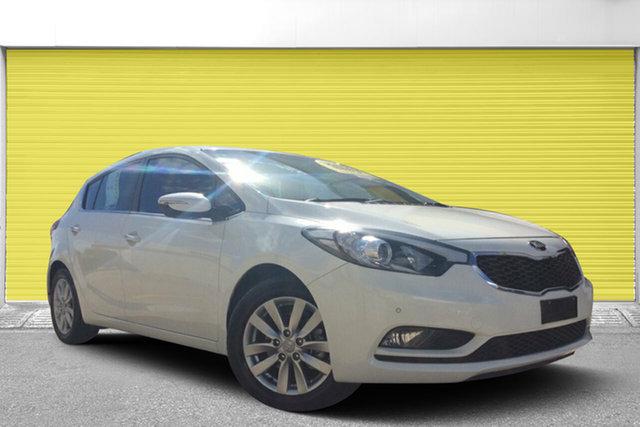 Used Kia Cerato YD MY14 SI, 2014 Kia Cerato YD MY14 SI White 6 Speed Sports Automatic Hatchback