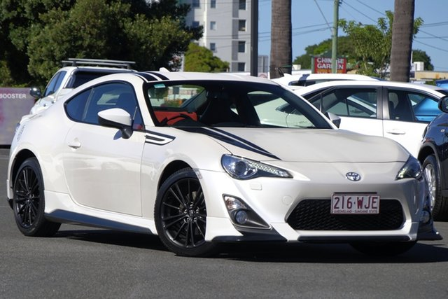 Used Toyota 86 ZN6 Blackline Edition, 2015 Toyota 86 ZN6 Blackline Edition Pearl White 6 Speed Sports Automatic Coupe