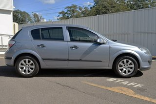 2005 Holden Astra AH MY05 CD Grey 5 Speed Manual Hatchback.