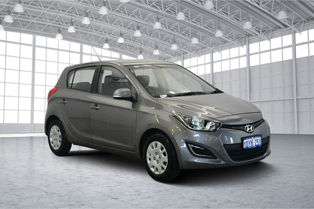 Used Hyundai i20 PB MY14 Active, 2013 Hyundai i20 PB MY14 Active Ember Grey 6 Speed Manual Hatchback