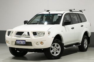 2013 Mitsubishi Challenger PB MY13 (4x2) White 5 Speed Automatic Wagon.