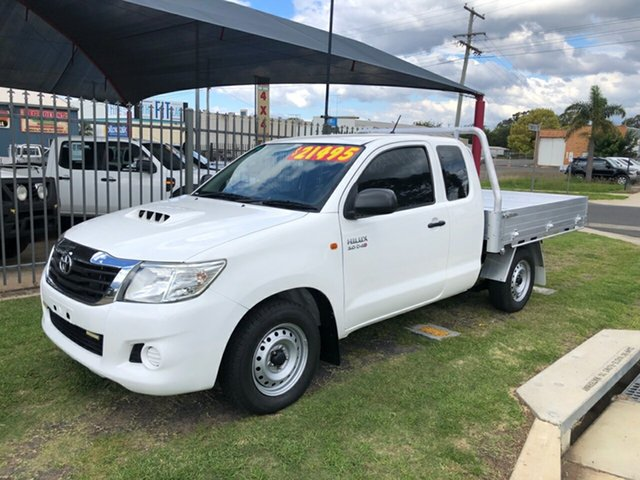 Used Toyota Hilux KUN16R MY12 SR, 2012 Toyota Hilux KUN16R MY12 SR White 5 Speed Manual X Cab Pickup