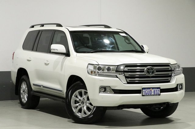 Used Toyota Landcruiser VDJ200R MY16 Sahara (4x4), 2017 Toyota Landcruiser VDJ200R MY16 Sahara (4x4) White 6 Speed Automatic Wagon