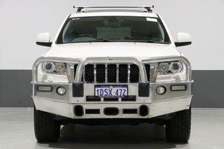 2011 Jeep Grand Cherokee WK Overland (4x4) White 5 Speed Automatic Wagon.