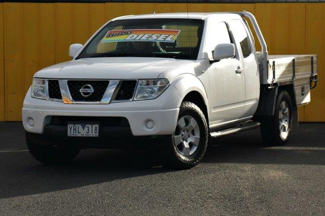 Used Nissan Navara D40 Series 4 ST-X (4x4), 2011 Nissan Navara D40 Series 4 ST-X (4x4) White 6 Speed Manual Dual Cab Pick-up