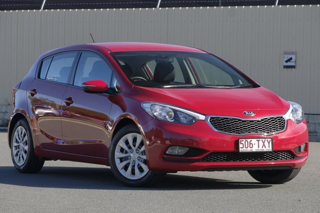 Used Kia Cerato YD MY14 S, 2013 Kia Cerato YD MY14 S Red 6 Speed Manual Hatchback