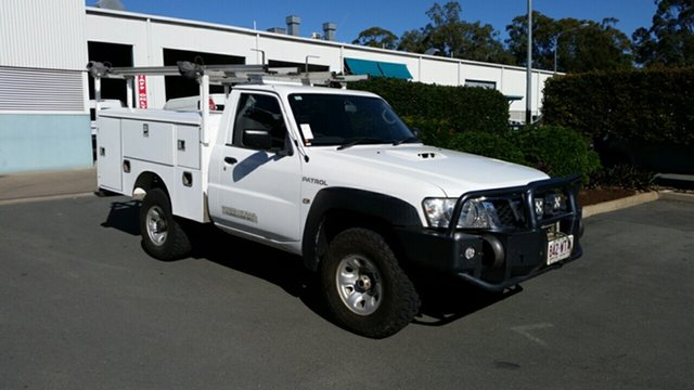 Used Nissan Patrol GU 6 MY10 DX, 2011 Nissan Patrol GU 6 MY10 DX White 5 Speed Manual Cab Chassis