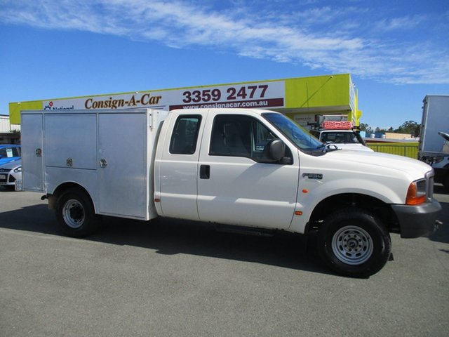 Used Ford F250  XL Super Cab, 2002 Ford F250 XL Super Cab White 5 Speed Manual Cab Chassis