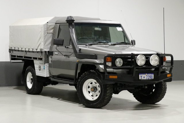 Used Toyota Landcruiser HZJ79R (4x4), 2002 Toyota Landcruiser HZJ79R (4x4) Silver 5 Speed Manual 4x4 Cab Chassis