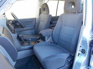 2003 Mitsubishi Pajero Silver Wagon