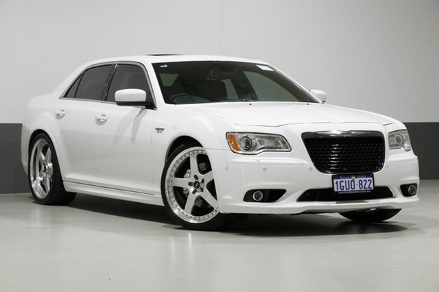 Used Chrysler 300 MY12 SRT8, 2013 Chrysler 300 MY12 SRT8 White 5 Speed Automatic Sedan
