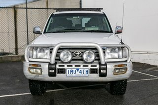 2004 Toyota Landcruiser HDJ100R Sahara White 5 Speed Automatic Wagon.