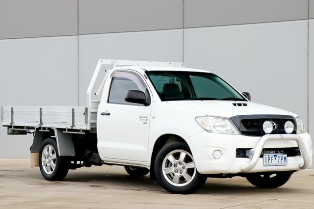 Used Toyota Hilux KUN16R MY09 SR 4x2, 2009 Toyota Hilux KUN16R MY09 SR 4x2 White 5 Speed Manual Cab Chassis