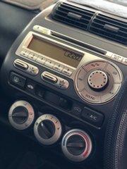 2005 Honda Jazz GD MY05 VTi White 5 Speed Manual Hatchback