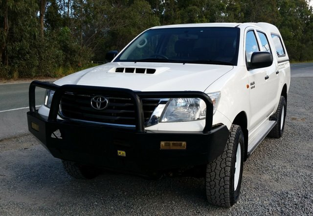 Used Toyota Hilux KUN26R MY12 SR Double Cab, 2012 Toyota Hilux KUN26R MY12 SR Double Cab White 5 Speed Manual Utility