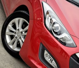 2014 Hyundai i30 GD MY14 Elite Red/Black 6 Speed Sports Automatic Hatchback